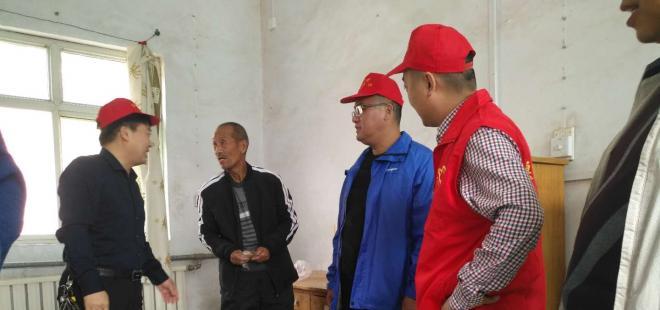 偃师市社会保险中心开展重阳慰问活动